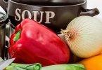 Une bonne soupe maison faite avec un blender chauffant bien-sûr!