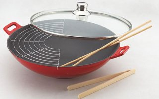 Le wok Baumalu 382872 a plein d'accessoires