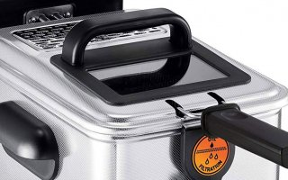 Le levier du panier de la friteuse electrique Seb Filtra One Pro 4 FR518100