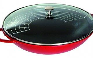 Le wok Staub 1313906 a un design ravissant
