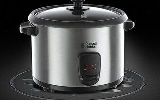 On est fan du design tout en acier du rice cooker Russell Hobbs COOK@HOME 19750-56